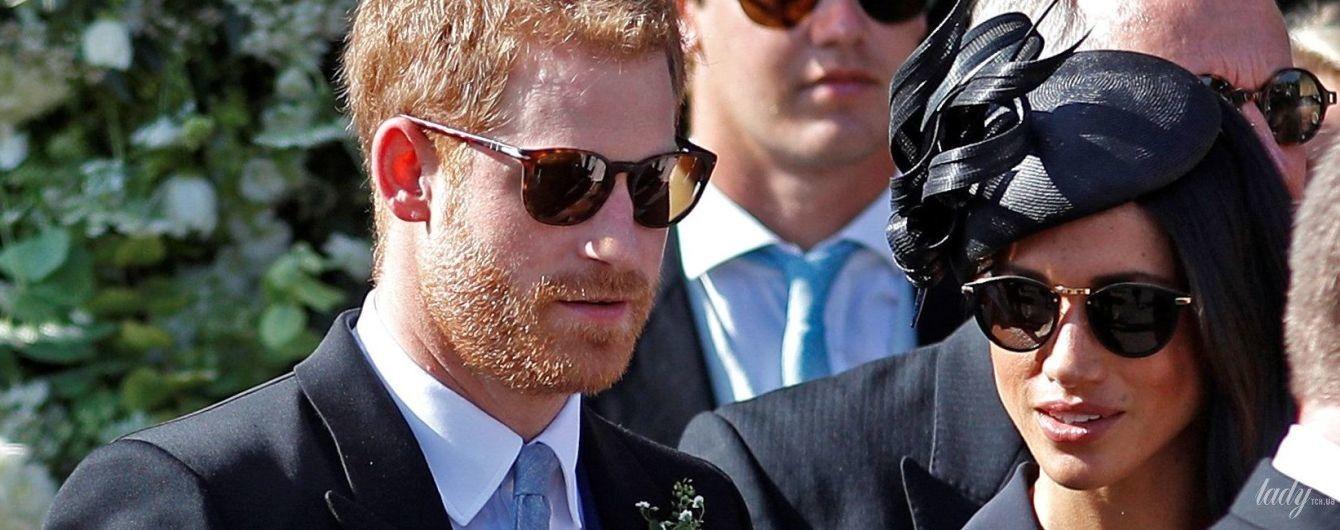 Неожиданно: принц Гарри пришел на свадьбу в туфлях с дырками