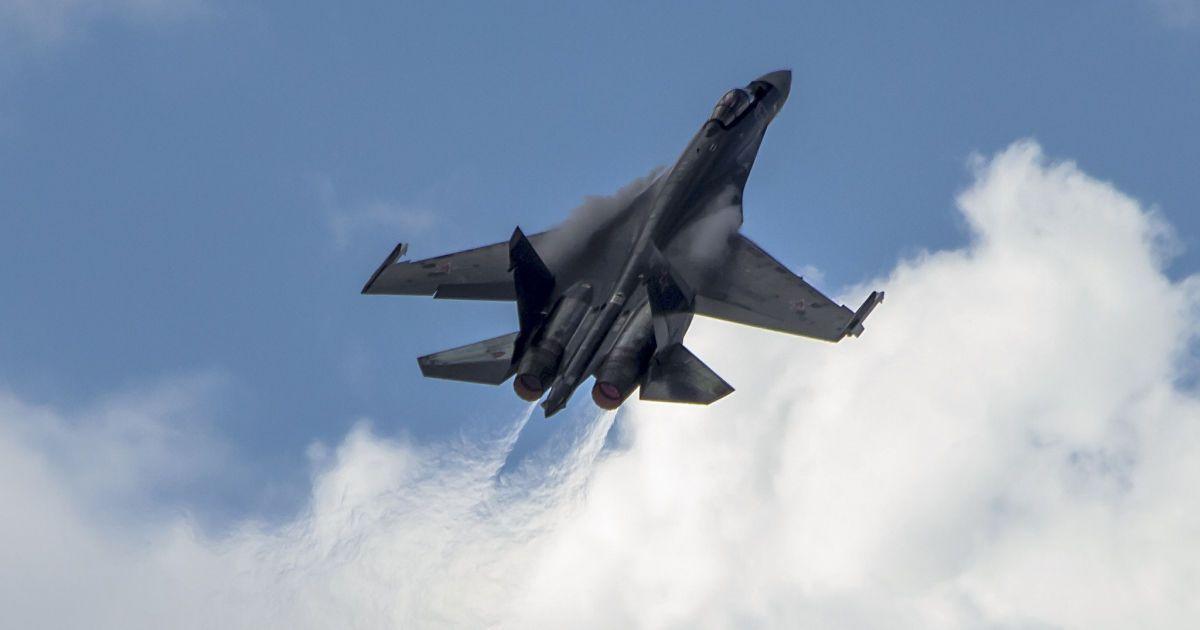 Росія задіяла понад пів сотні винищувачів і бомбардувальників у навчаннях над Чорним морем