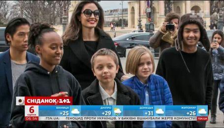 Адвокат Анджеліни Джолі відмовився працювати з акторкою