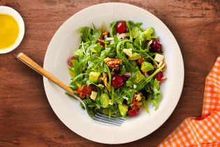 Салат с виноградом. Без майонеза