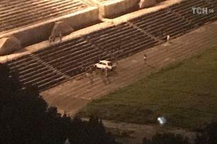 В Киеве ночью неизвестные устроили дрифт на стадионе НАУ