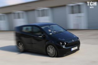 У Німеччині випробовують автомобіль на сонячних батарейках