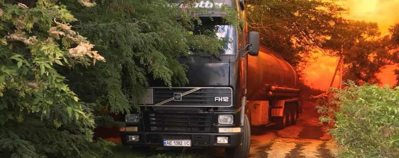 Каустическая сода и известь: в Днепропетровской области справились с последствиями аварии с азотной кислотой