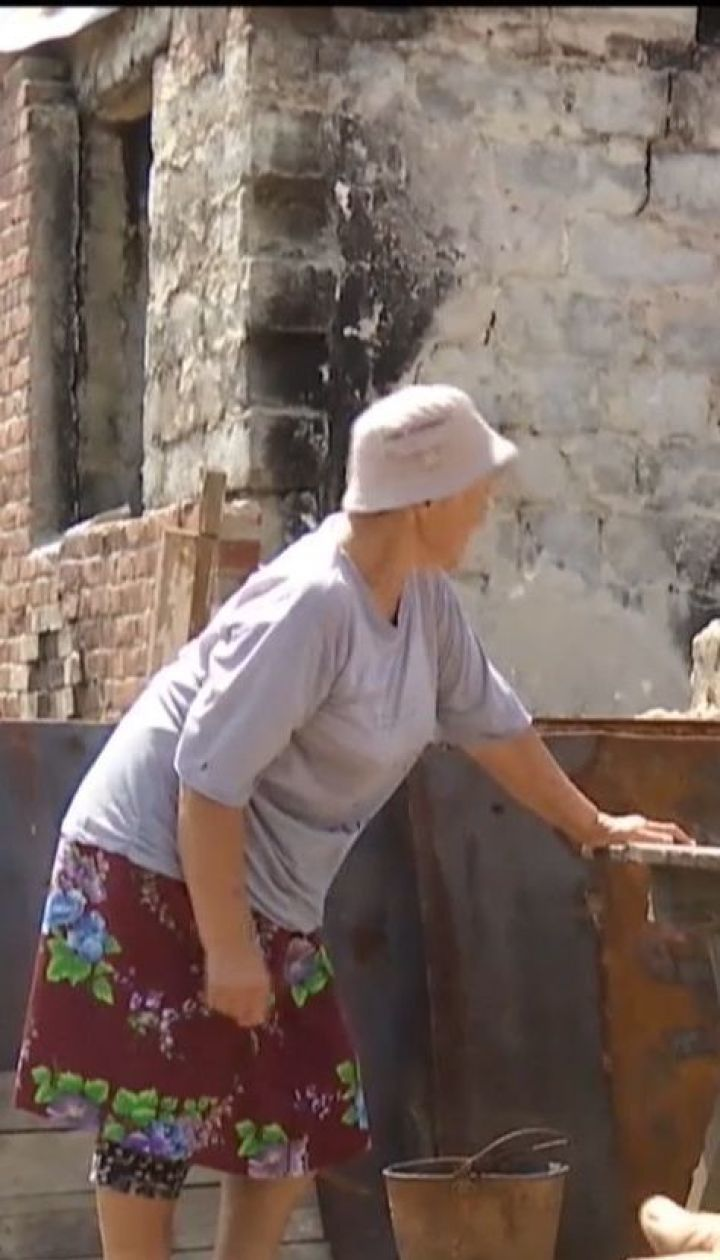 Жители полуразрушенной Николаевки ищут заброшенные дома, чтобы пережить там холода