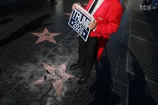 Власти Голливуда призвали убрать звезду Трампа с Аллеи славы