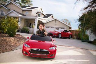 Илон Маск анонсирует электрокар для людей маленького роста