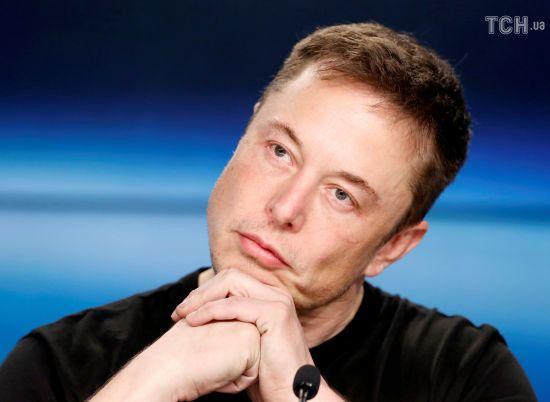 Не електромобілями єдиними: Ілон Маск вирішив випускати текілу під брендом Tesla