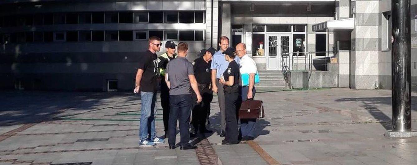 """Конфликт вокруг университета """"Украина"""": заведение обвинило полицию в распространении лжи"""