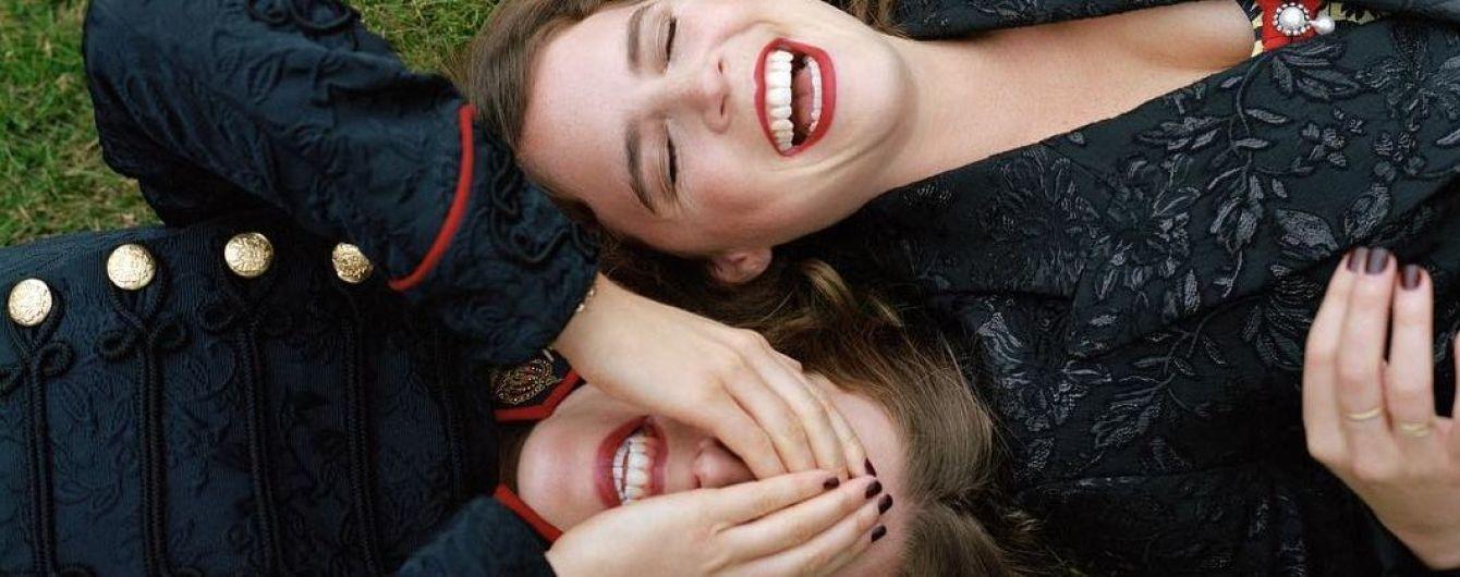 Стильные принцессы: Беатрис и Евгения в полном фотосете для британского глянца