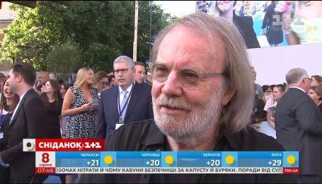 """""""Мама Мия-2"""": интервью с участниками группы ABBA после лондонской премьеры"""