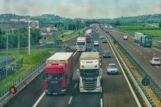 """""""Укравтодор"""" рассказал, какие грузовики разрушают украинские дороги"""