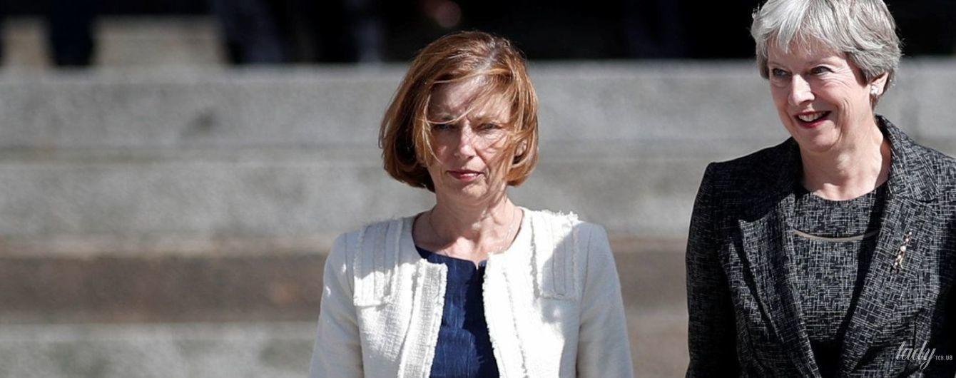 У стриманому костюмі і на шпильках: міністр оборони Франції на релігійній церемонії