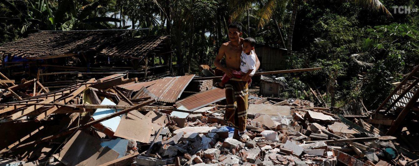 Кількість загиблих після землетрусу в Індонезії різко злетіла до майже 350