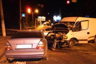 На Одесчине легковушка лоб в лоб протаранила микроавтобус, погиб иностранец