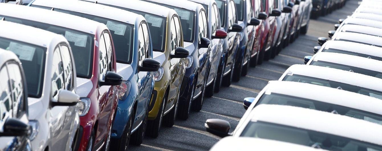 Осень показала падение продаж легковых автомобилей в Украине