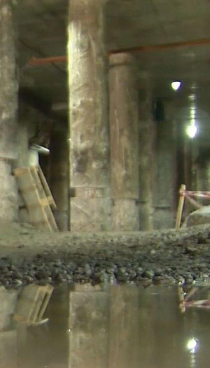 Музей під загрозою. Місце розкопок на Поштовій площі другий день поспіль заливає вода