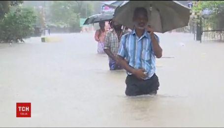 Щонайменше 19 життів забрали зсуви ґрунту, викликані потужними зливами на півдні Індії