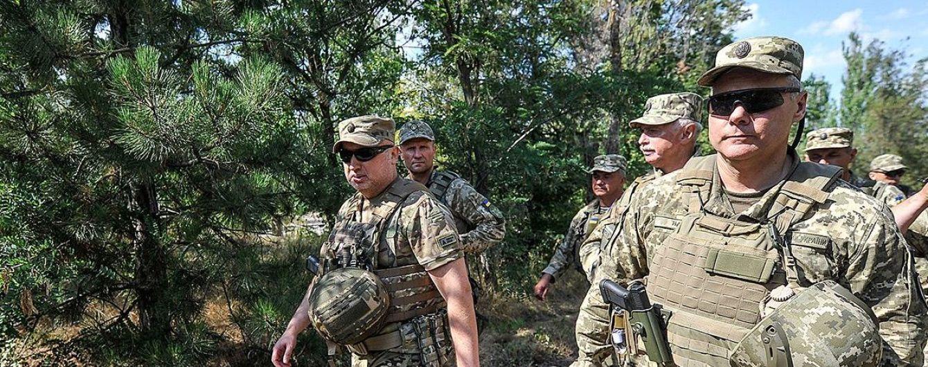 Турчинов предложил перебросить к Азовскому морю дополнительные военные силы