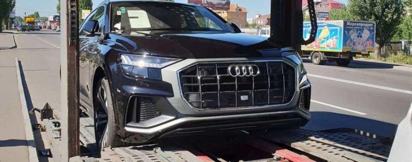 На украинских дорогах заметили роскошный Audi Q8