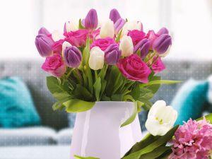 Что делать, чтобы цветы в вазе долго не вяли?