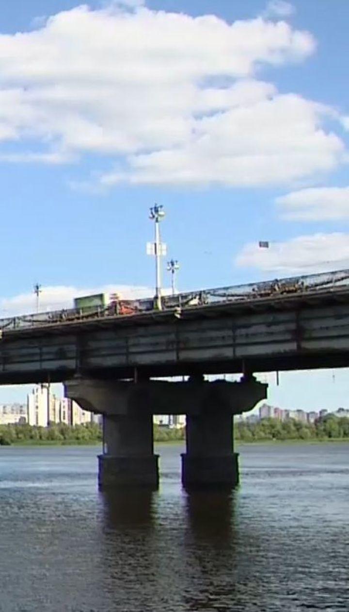 """Мост Патона """"устал"""": одна из опор разрушается сверхвысокими темпами"""