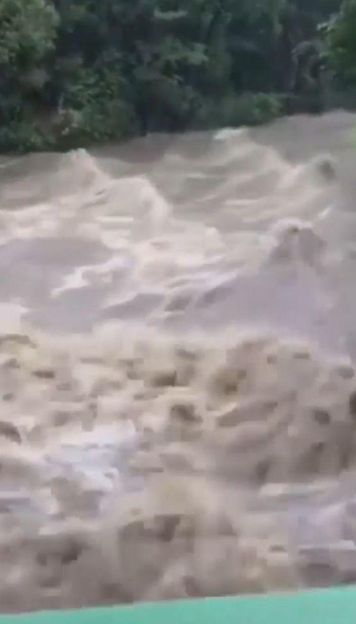 Потужна повінь у Франції: евакуйовано понад півтори тисячі людей