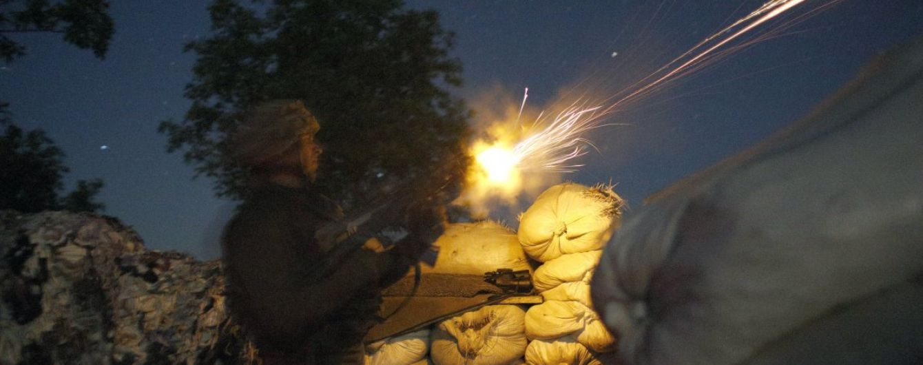"""Ситуация на Донбассе: боевики палят из """"тяжелых минометов"""", двое украинских военных ранены"""