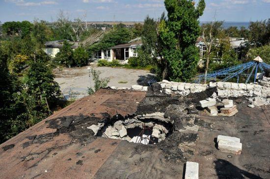 Ситуація на Донбасі на День Незалежності: бойовики гатили з важкої артилерії і вбили військового