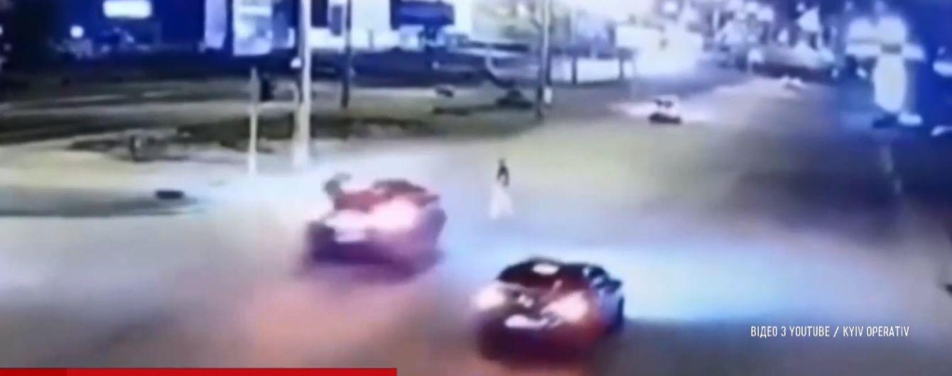 В Киеве ищут Lexus, который сбил мужчину и даже не затормозил