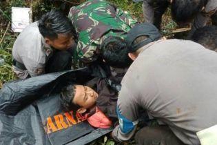 В кровавой авиакатастрофе в Индонезии чудом выжил 12-летний мальчик