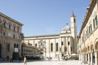 Рыцарская сказка в современной Италии: в Асколи сохранилось сто башен времен Римской империи