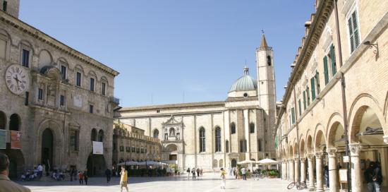 Лицарська казка у сучасній Італії: в Асколі збереглось сто веж часів Римської імперії