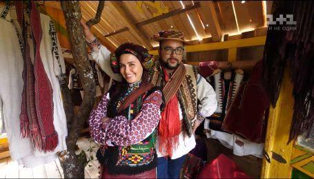 Людмила Барбир и Руслан Сеничкин начинают путешествие по Украинским Карпатам