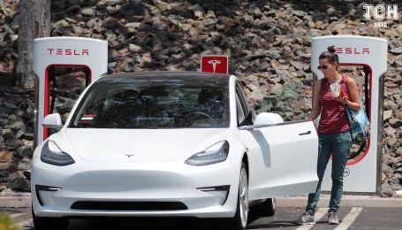 Эксперты рассказали, почему электрокары Tesla невозможно похитить