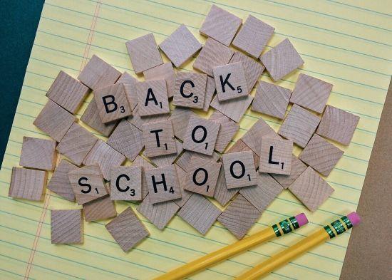 Зрив нової української школи: першачки йтимуть до порожніх класів без підручників