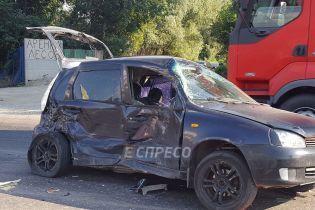 Масштабна ДТП у Києві: на Заболотного в подвійну аварію потрапили сім авто, постраждало немовля