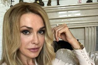 С распущенными волосами и макияжем: Ольга Сумская показала, как выглядела в 21 год