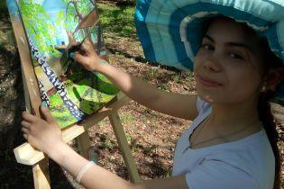 Почти 30 тысяч гривен нужны на слуховой аппарат для Даянки