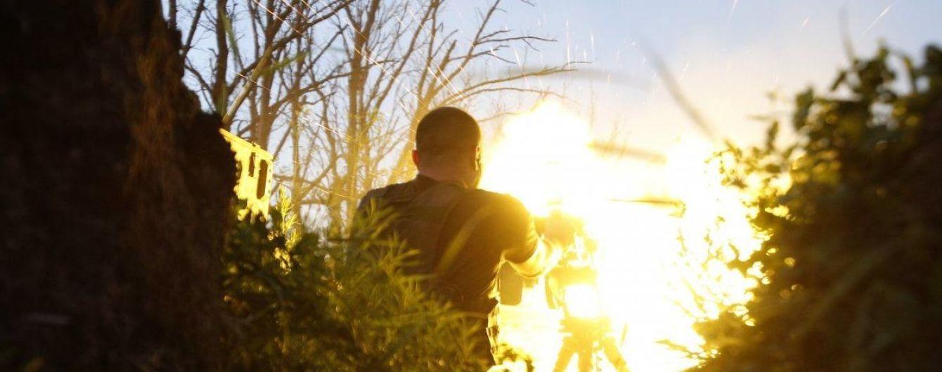 Війна на Донбасі не стихає: під час обстрілів бойовиків був поранений український військовий