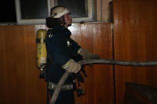 Ночью огнеборцы тушили пожар в одной из больниц Киева