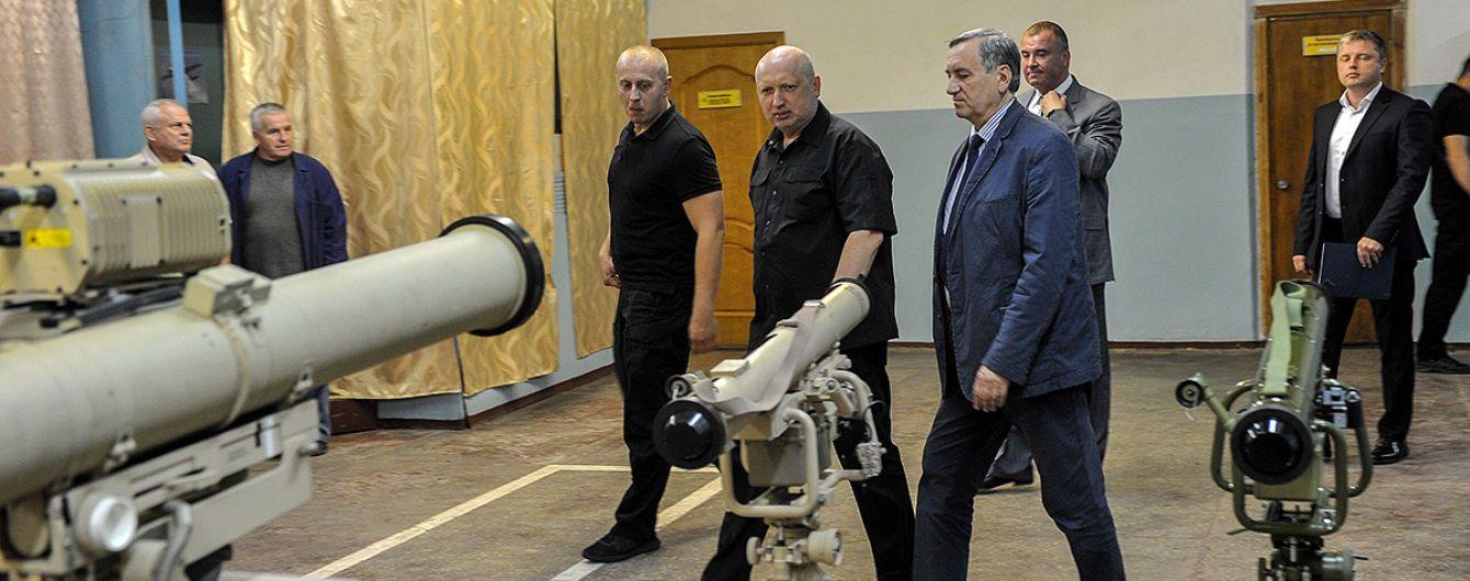 Турчинов посетовал на несовершенную систему производства вооружения