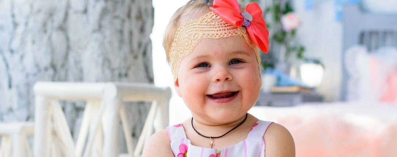 Родители просят помочь Вероничке выйти из мира тишины