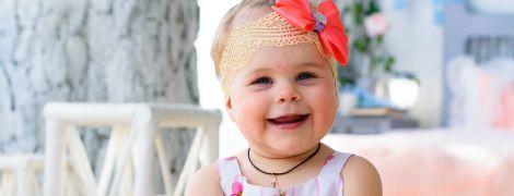 Батьки просять допомогти Веронічці вийти зі світу тиші