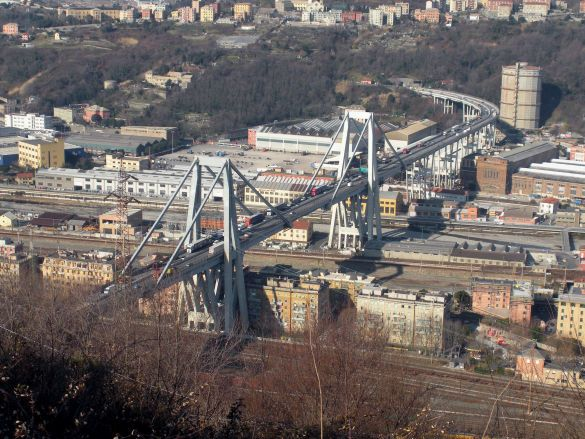 міст в Генуї, який обвалився