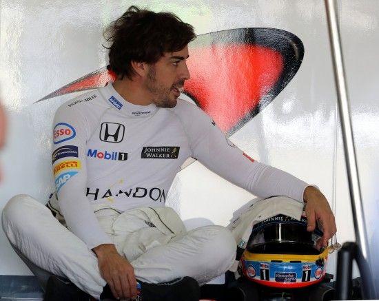 Легендарний пілот Формули-1 оголосив про завершення кар'єри