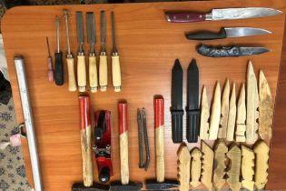 """Ножи, каннабис и флаг со свастикой: в ГПУ показали, что нашли в камере экс-бойцов """"Торнадо"""" в СИЗО"""