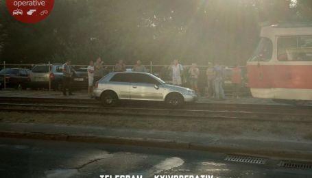 В Киеве парни на Audi с еврономерами сбили пешехода и пытались скрыться