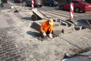 У Києві на вулиці Грушевського з'явиться безпечний пішохідний перехід