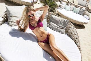 """Крошечные бикини и фото в ванной. Что постит в Instagram """"Мисс Украина Вселенная"""""""