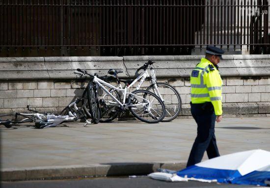 У Британії ідентифікували особу, яка здійснила наїзд на пішоходів біля парламенту